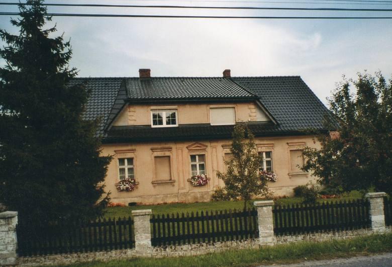 Rodzinny dom Victora Kaluzy w Łowkowicach.