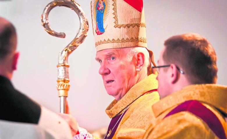 Sfałszowane wybory? Biskup Ignacy Dec popiera marsz zwolenników tej tezy