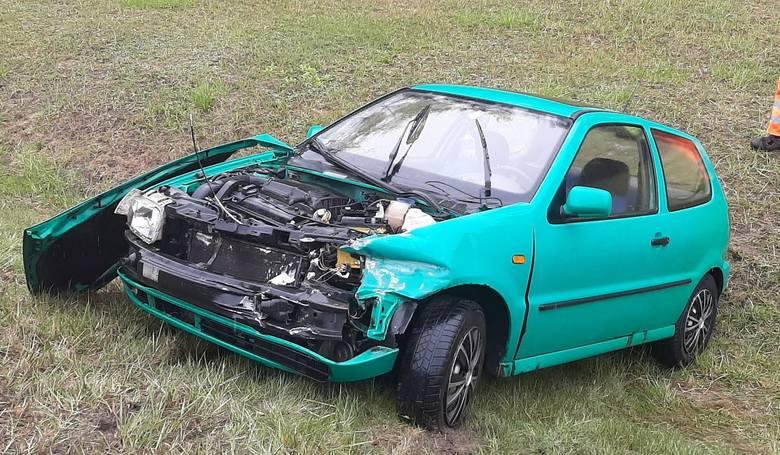 Do wypadku doszło na trasie S3 na wysokości Skwierzyny. Volkswagen polo najpierw uderzył w barierki, a potem wypadł z drogi. Kierująca pojazdem kobieta