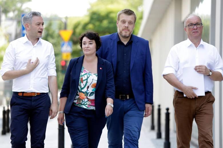 Wybory 2019: Listy wyborcze KW Lewica. PKW ma zastrzeżenia do nazwy komitetu w ramach którego startują SLD, Wiosna i Razem