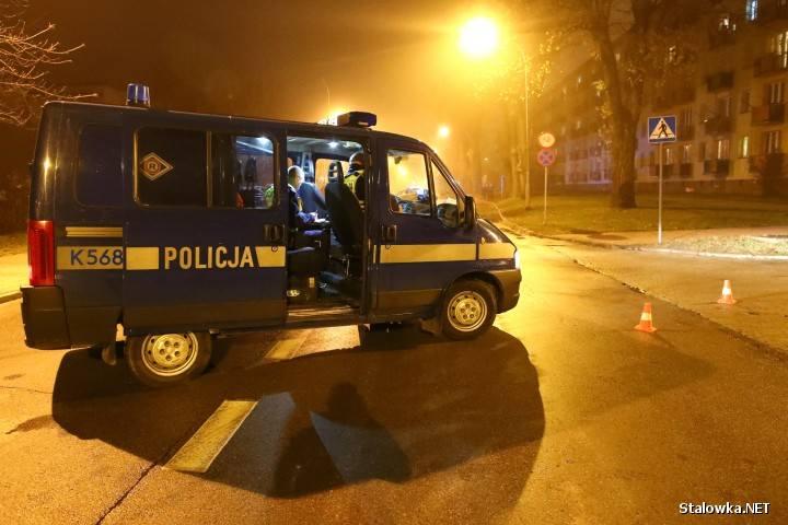 Wypadek w Stalowej Woli. Kobieta potrącona na przejściu dla pieszych na ulicy Ofiar Katynia [ZDJĘCIA]