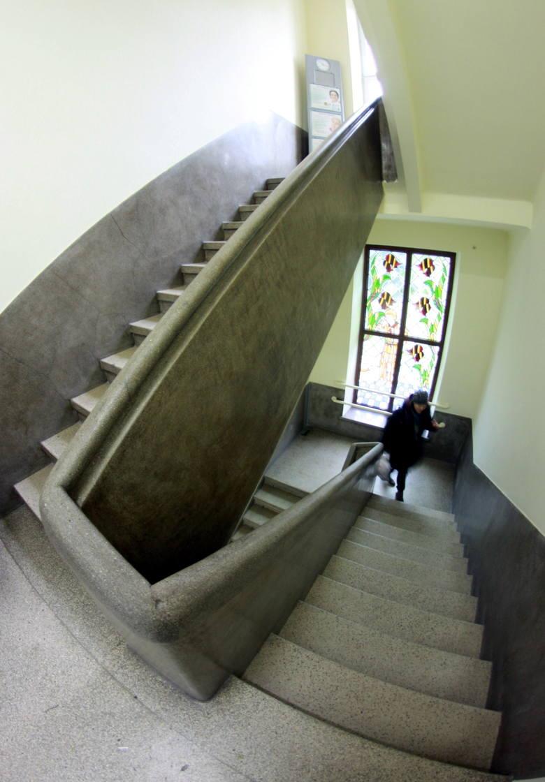 W czasie powojennego remontu przy ulicy Lubartowskiej 58 została wykonana klatka schodowa w modernistycznym stylu.