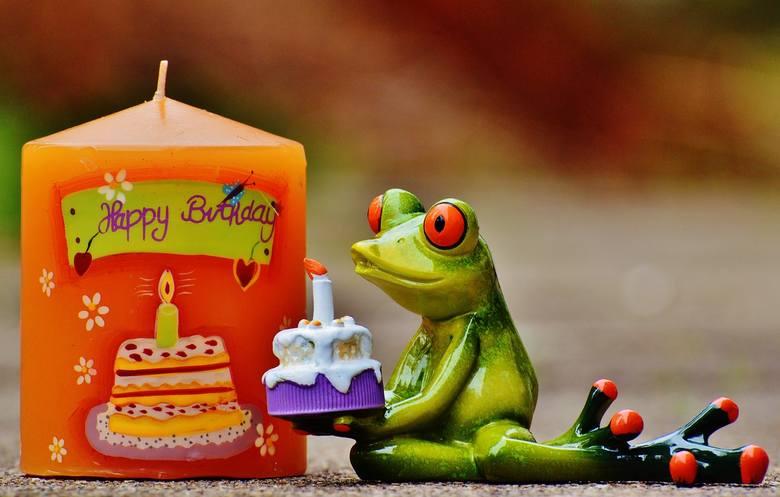 Wierszyki Urodzinowe śmieszne Krótkie I Poważne Rymowanki