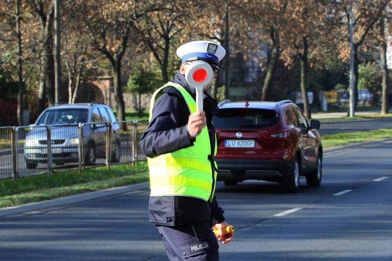 Ministerstwo Infrastruktury przygotowuje spore zmiany dla kierowców i pieszych. Jeszcze w tym roku wszystkich czekają ogromne zmiany w prawie!Co się