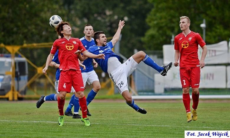 Gwardia Koszalin przegrała szósty mecz i znów zamyka ligową tabelę. Tydzień po pierwszej wygranej w sezonie, piłkarze Gwardii nie potrafili sprawić niespodzianki