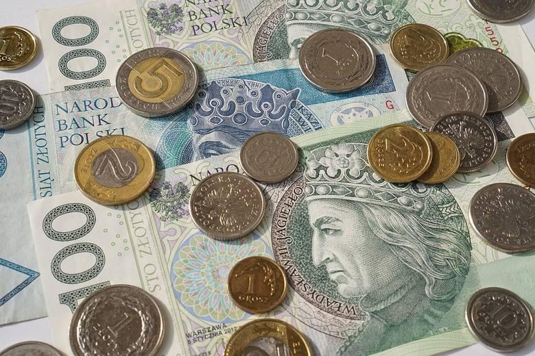 Po pierwsze urząd publikuje dane na temat wynagrodzenia brutto, a nie netto. Jeśli więc przeciętna pensja w przedsiębiorstwach wyniosła w grudniu 5275