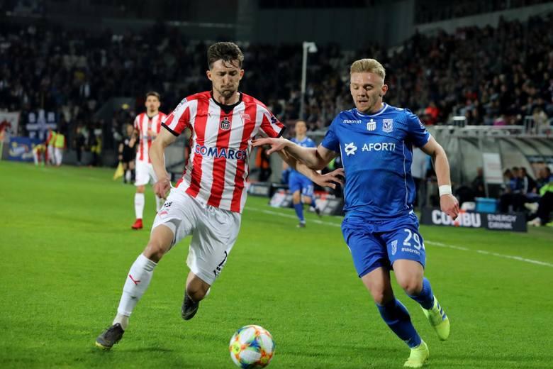Prawy obrońca - Cornel Rapa (Cracovia)Żelazne płuca i serce teamu Probierza. Ma najwięcej minut spędzonych na boisku spośród wszystkich zawodników Cracovii.