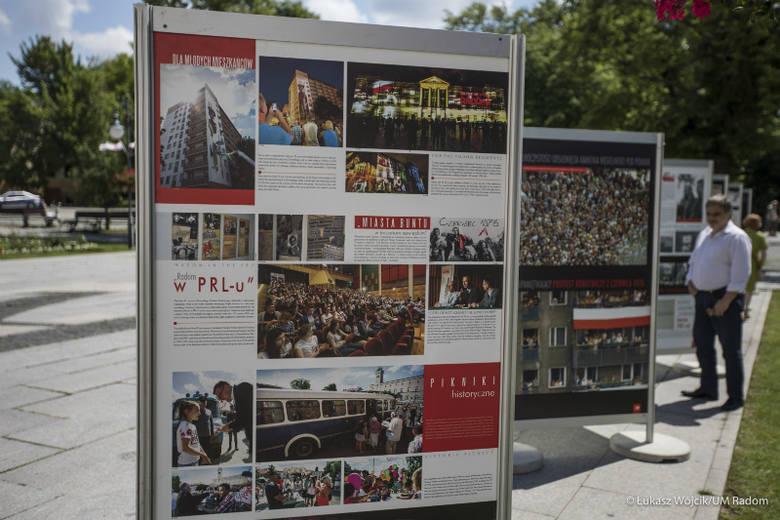 Wystawę na Placu Corazziego przygotowano z okazji 45. rocznicy Radomskiego Czerwca '76.