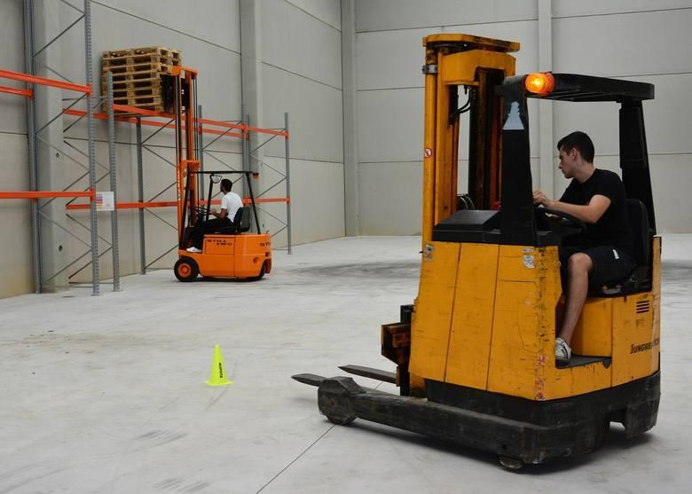 """22% pracowników zatrudnionych w transporcie i logistyce zmieniło pracę w przeciągu ostatniego półrocza.Firma Randstad w badaniu """"Monitor Rynku"""