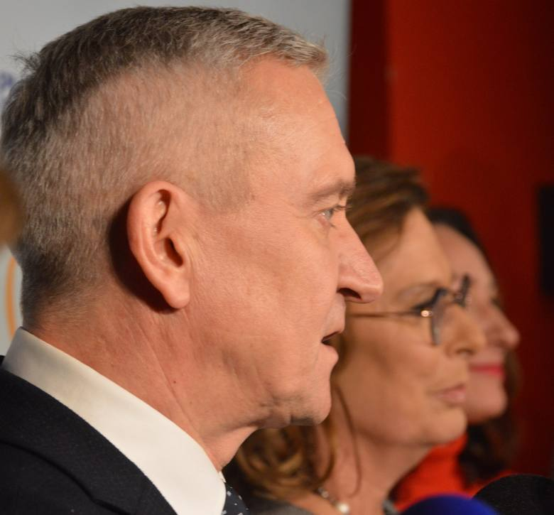 Poseł Robert Tyszkiewicz, szef podlaskiej PO, dodał, że Kidawa-Błońska jest wieloletnią i wypróbowaną przyjaciółką woj. podlaskiego. Jako przykład podał