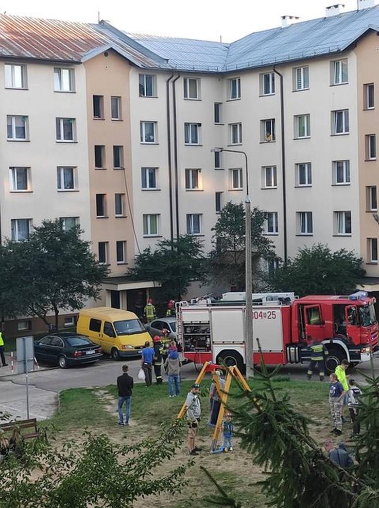 Białystok. Pożar na Nowym Mieście. Palił się blok przy ul. św. Jerzego