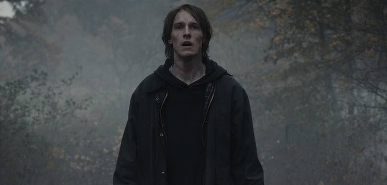 """""""Dark"""" to jeden z najpopularniejszych seriali, jakie można oglądać na platformie Netflix. Premiera ostatniego sezonu odbywa się 27 czerwca 2020 roku."""