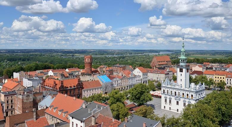 Położone 40 km na północ od Torunia Chełmno, to jedno z najstarszych miast w woj. kujawsko-pomorskim. Około 20 tysięcy mieszkańców Chełmna na co dzień