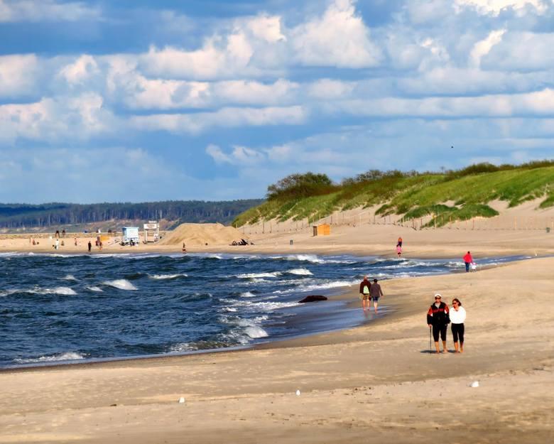 Wrzesień na usteckiej plaży zachodniej prezentuje się okazale. Prawie puste plaże i urocze zachody słońca zachęcają do romantycznych spacerów. Zapraszamy