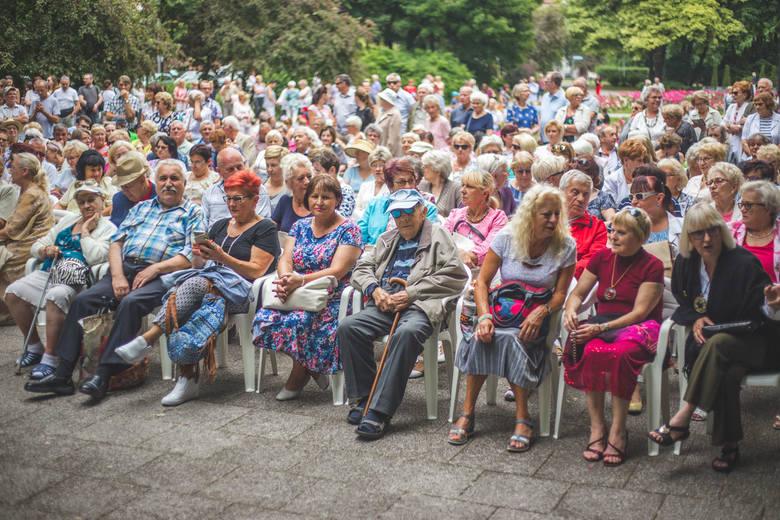 Drugi koncert w wakacyjnym cyklu Garden Party u Karola odbył się w niedzielę. Zagrali Barbara Witkowska i Adrian Janda.