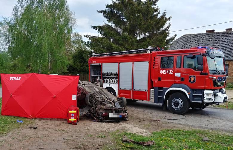 Do zdarzenia doszło ok. godz. 13.30 w miejscowości Rychnowo w gminie Świecie nad Osą. Jedna osoba poniosła śmierć. To 73-letni mężczyzna.