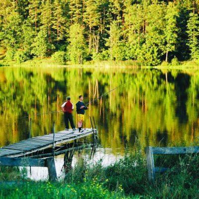 """Romantyczne, ale i """"rozrywkowe"""" augustowskie jeziora - to naprawdę może przyciągnąć do naszego regionu turystów!"""