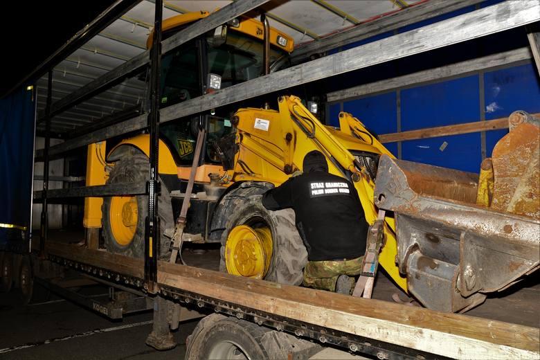 Tylko jednego dnia funkcjonariusze Straży Granicznej z Korczowej zabezpieczyli skradzione pojazdy warte łącznie ok. 200 tys. złotych. Była to koparka