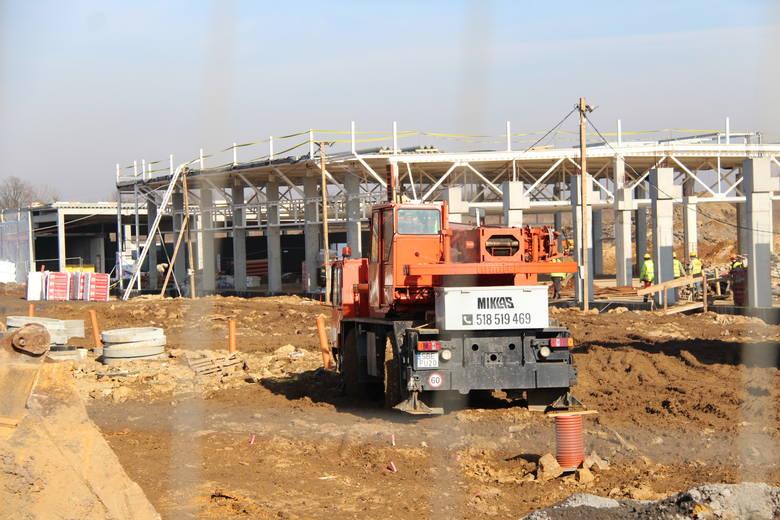 Nowe centrum handlowe w Czeladzi przy Grodzieckiej. DL Shopping Center będą Rossmann, Pepco, KIK, Euro RTV AGD, Banquet, Piekarnia Kłos