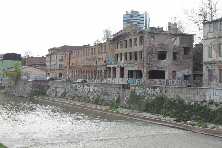 Jedna z pierwszych w Europie elektrowni miejskich. Zniszczona podczas ostatniej wojny, jak dotąd nie została niestety odbudowana.