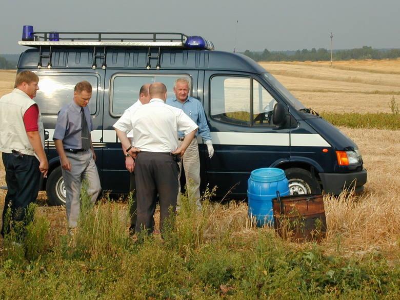 Sierpień 2003 r. Czerniejów. W beczce po kapuście znaleziono zwłoki pięciorga noworodków