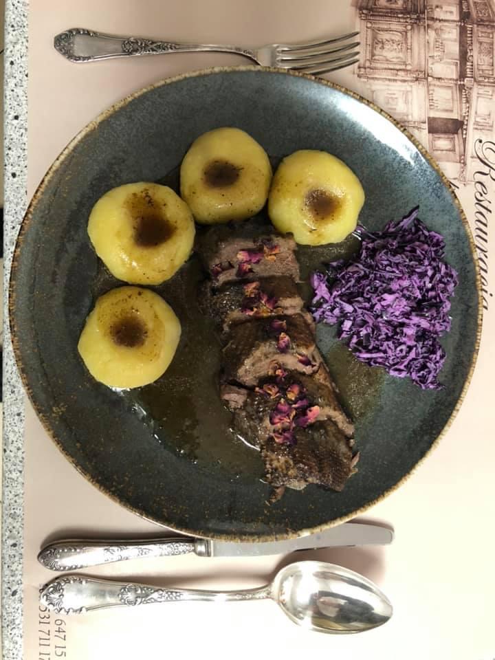 Przyjemnie Podjadaj - restauracja po programie Kuchenne Rewolucje. Co zmieniła Magda Gessler w lokalu Pod Kamienicą? [MENU, CENY]