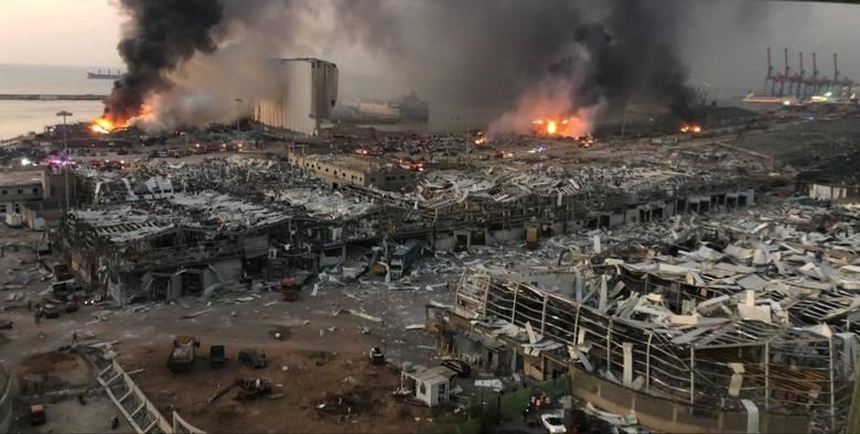Potężny wybuch w Bejrucie. Są zabici oraz setki rannych.Zobacz kolejne zdjęcia. Przesuwaj zdjęcia w prawo - naciśnij strzałkę lub przycisk NASTĘPNE