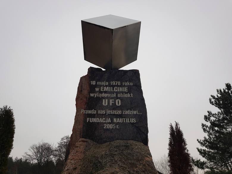 10. Emilcin - wieś, w której wylądowało UFO• około 55 km od Lublina• dojazd autem zajmie około 45 minut• Emilcin to maleńka wieś w powiecie opolskim.