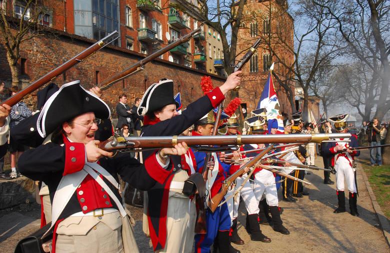 Zdjęcia z inscenizacji, jaka odbyła się w Toruniu podczas Festiwalu Nauki i Sztuki w 2006 roku - w 200. rocznicę zajęcia miasta przez wojska napoleońskie.