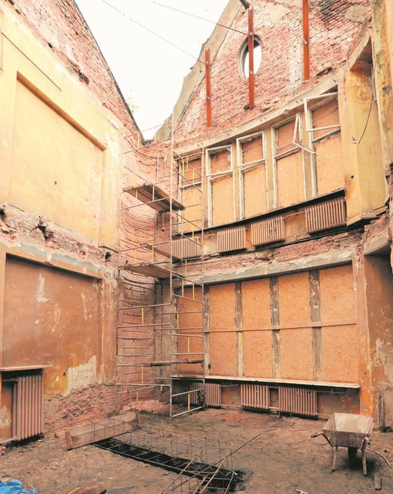 Zabezpieczają budynek filmowej Szuflandii