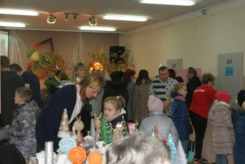 W Specjalnym Ośrodku Szkolno-Wychowawczym w Bytowie odbyła się dwudziesta, jubileuszowa, edycja Wojewódzkich Targów Prac Dziecięcych Pomysłowy Dobromir.W