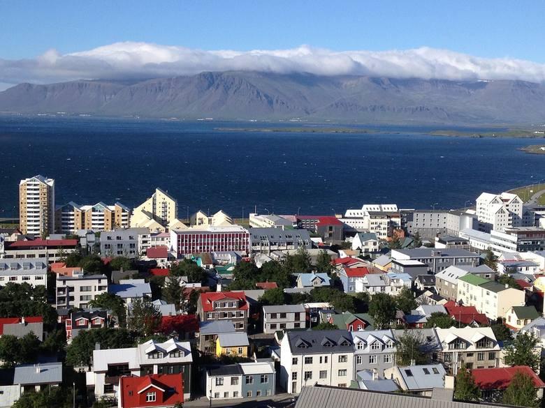 Również po 1% badanych wskazało Islandię, Czechy oraz Austrię jako kierunek planowanej emigracji.Do jakiego kraju planujesz wyjechać do pracy za granicę?
