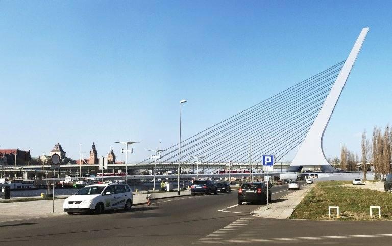 Nowy most Kłodny połączy Nabrzeże Wieleckie z Łasztownią [wideo, zdjęcia]