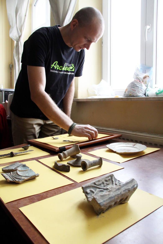 Odkrycia z nadzoru archeologicznego prowadzone w klasztorze sióstr Urszulanek.