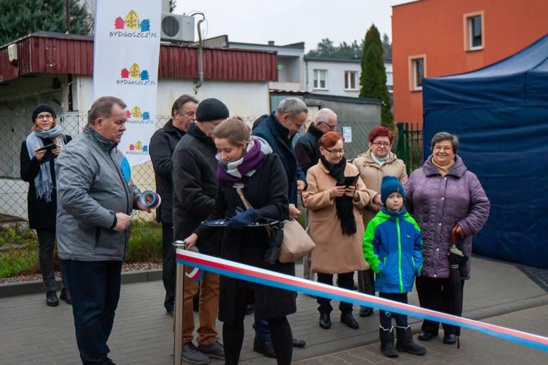 W środę 13 listopada na Osowej Górze odbyła się uroczystość otwarcia ul. Dorszowej, wybudowanej w ramach programu 25/75. Dorszowa ma długość ok. 100