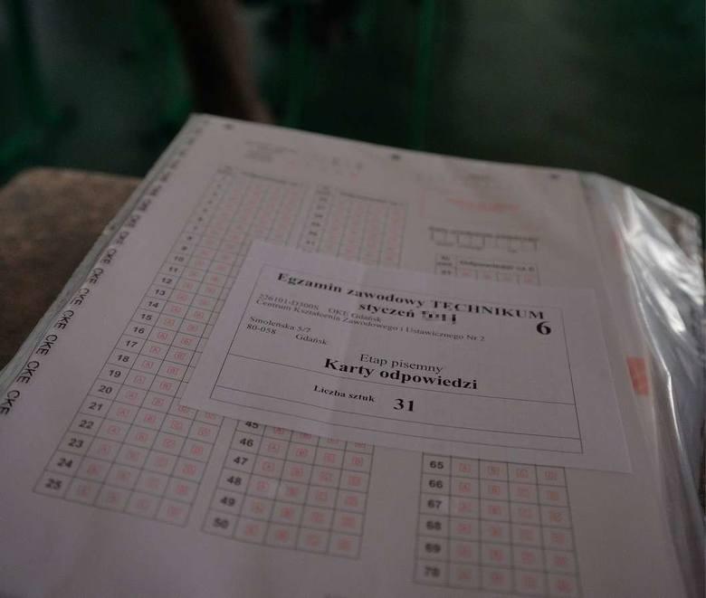 Zobacz prawidłowe odpowiedzi z egzaminu zawodowego. Egzamin potwierdzający kwalifikacje w zawodzie, a także egzamin zawodowy są przeprowadzone zgodnie
