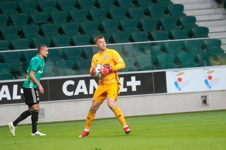 Legia Warszawa po słabym i nudnym do bólu meczu awansowała do drugiej rundy eliminacji Ligi Mistrzów. Przy Łazienkowskiej ograła mistrza Irlandii Północnej
