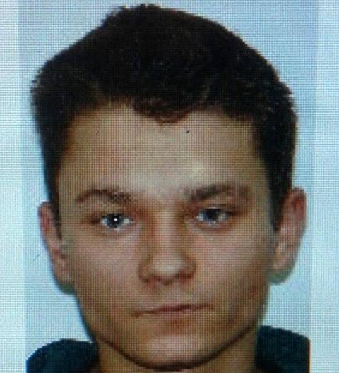 Poszukiwanym jest 27-letni mieszkaniec Legnicy Adrian P.