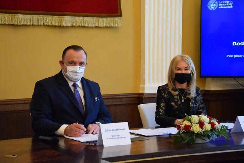 W czwartek, 10 czerwca, w rektoracie UE podpisano umowę dotacji woj. śląskiego na przebudowę kampusu - dostosowanie dla osób ze szczególnymi potrzebamiZobacz