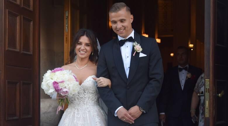 Patryk Mikita, piłkarz Radomiaka Radom, w piątkowe popołudnie wziął ślub w Parafii Świętego Józefa Oblubieńca Najświętszej Maryi Panny w Warszawie. Jego