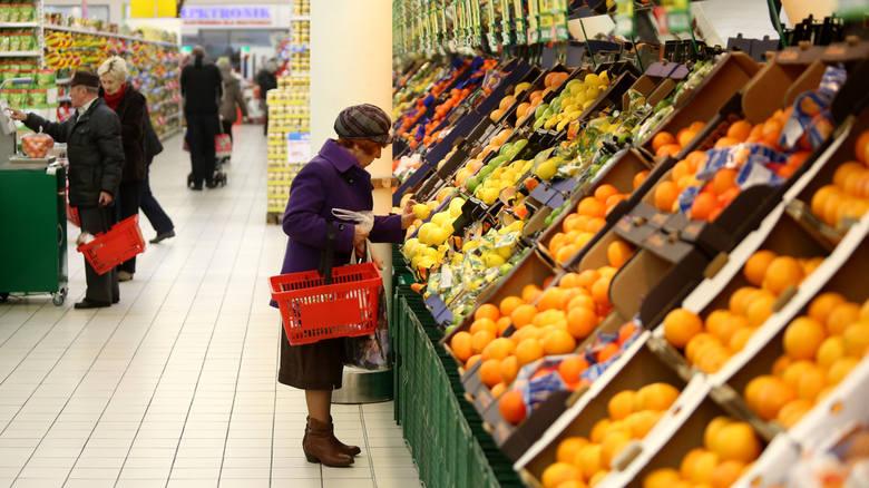 Żywność w Polsce jest coraz droższa, a prognozy cen na kolejne dwanaście miesięcy nie napawają optymizmem. Mowa o podwyżkach w granicach 2 - 3,5 procent