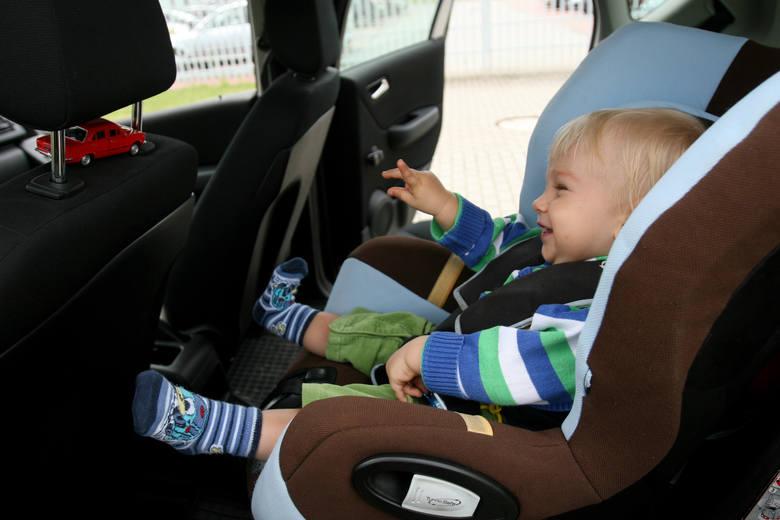 Badania podkreślają jak istotny jest dobór fotelika do wzrostu dziecka i gabarytów samochodu oraz odpowiednie zamontowanie fotelika.