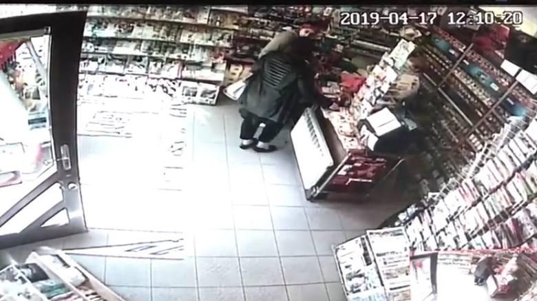 Kamery monitoringu zarejestrowały nie tylko moment kradzieży, ale także zbliżenie twarzy obu kobiet.