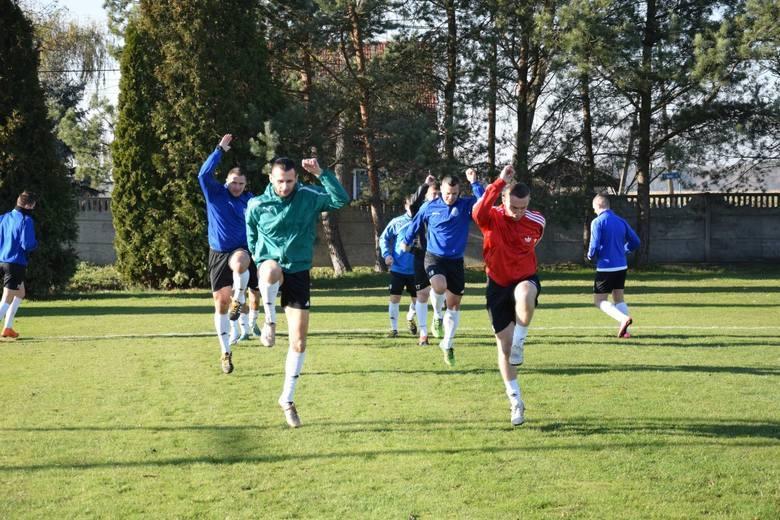 Prezentujemy kadry wszystkich 16 drużyn występujących w grupie 1. klasy okręgowej w województwie opolskim na rundę wiosenną.