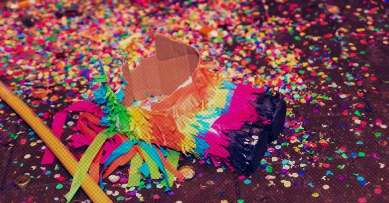 TOP 12 NAJGORSZYCH zabaw weselnych. W co nie bawić się podczas oczepin?