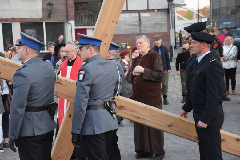 W Wielki Piątek 19 kwietnia ulicami centrum Gorzowa przeszła tradycyjna Droga Krzyżowa. W związku z remontem ul. Sikorskiego, podobnie jak w zeszłym