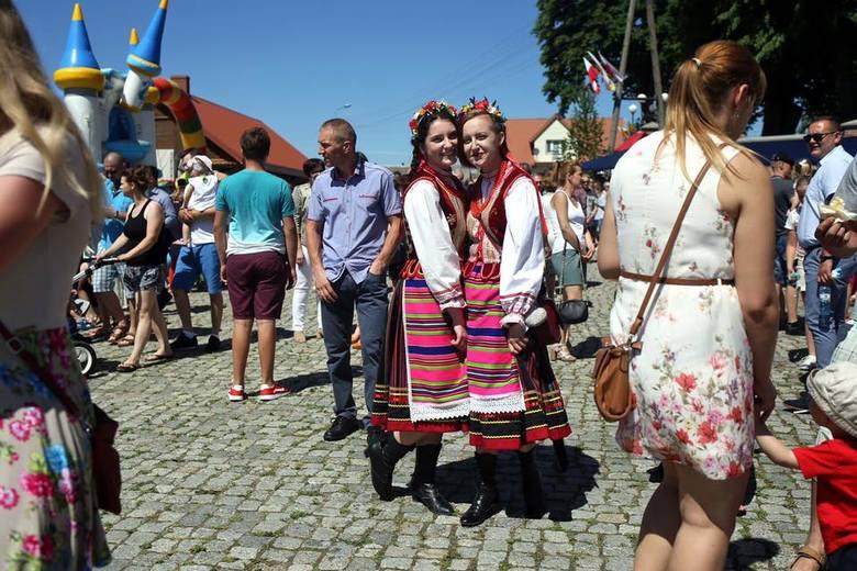 Uroczystą Mszą Świętą celebrowaną przez metropolitę białostockiego ks. Abp Tadeusza Wojdę rozpoczęły się w niedzielę obchody 500-lecia parafii pw. Zwiastowania