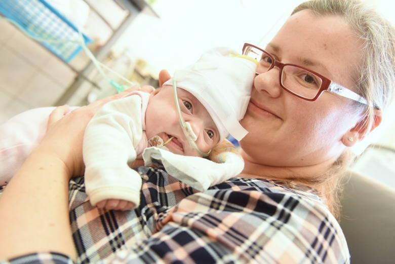 Maleńka Dominika jest najmłodszym wcześniakiem, uratowanym na oddziale zielonogórskiej neonatologii.