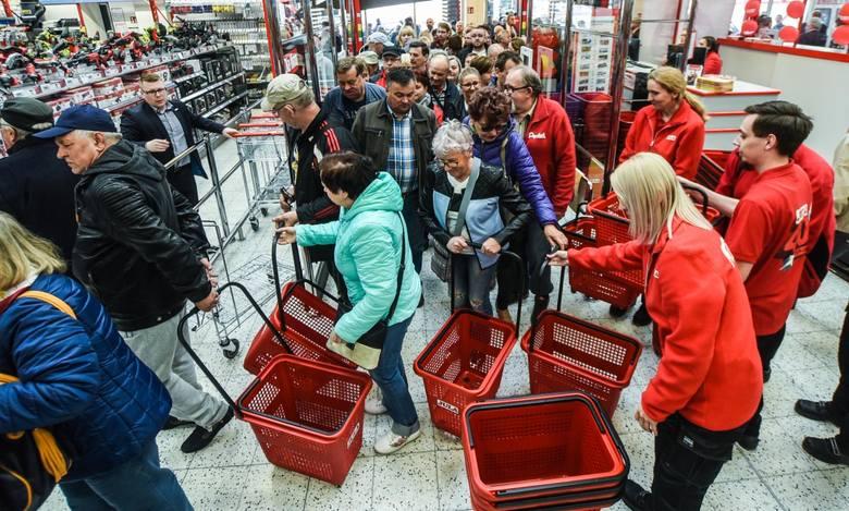Sklep szwedzkiej marki Jula otwarto w czwartek przy ulicy Fabrycznej w Bydgoszczy - w Parku Handlowym Batory. To 13 market tej firmy w Polsce i pierwszy