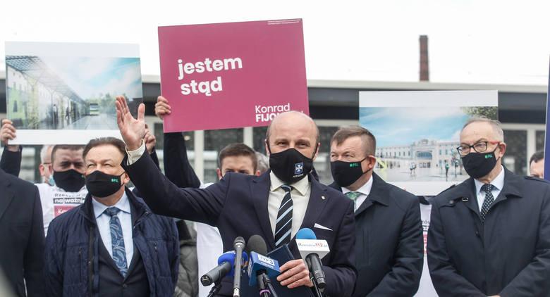 Konrad Fijołek na konferencji o transporcie publicznym. Kandydata na prezydenta Rzeszowa wsparł Adam Struzik, marszałek Mazowsza.